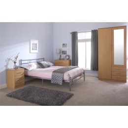 4FT6in Morgan 135cm Bedstead Silver Bed
