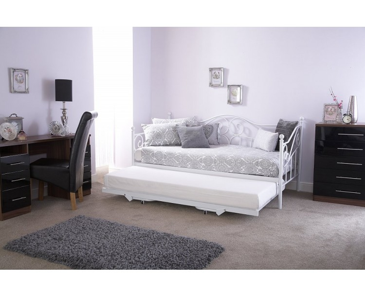 Madison Metal Day Bed With Trundle White Finish